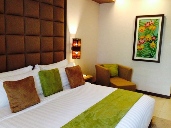 Depok, Indonesia: Supercomfy room - loving the loving details
