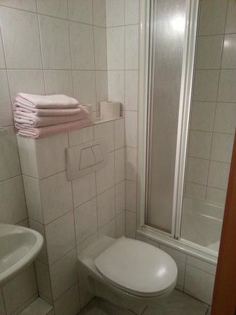 Bremer Hof: das Bad auf dem ersten Blick ausreichend