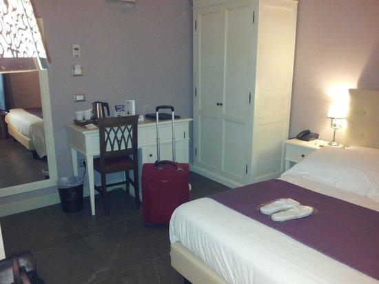 Hotel Palazzo dei Mercanti: camera + minibar