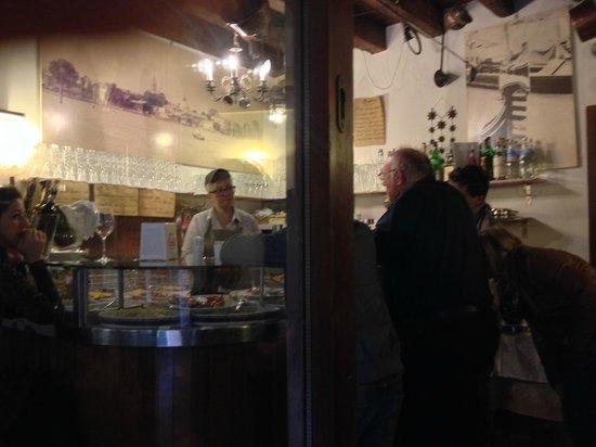 Trattoria Da Fiore : Inside Bar Side