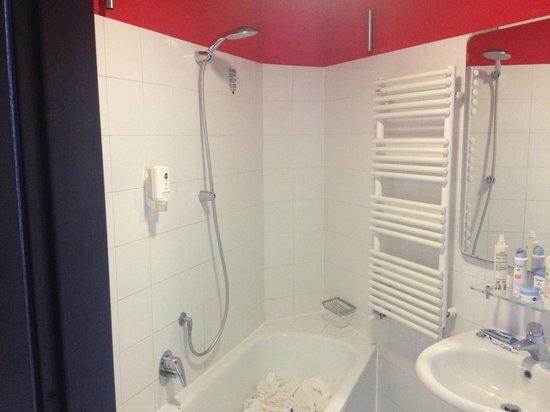 B&B Hotel Firenze Nuovo Palazzo di Giustizia: Il bagno