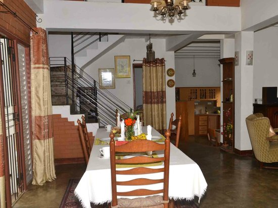 Sujatha's Homestay: Living Area