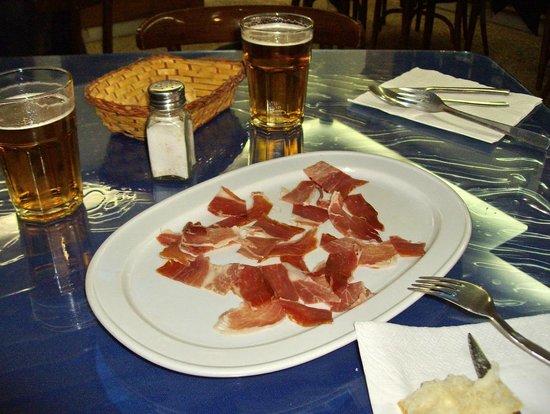 La Utielana : piatto assaggio di serrano