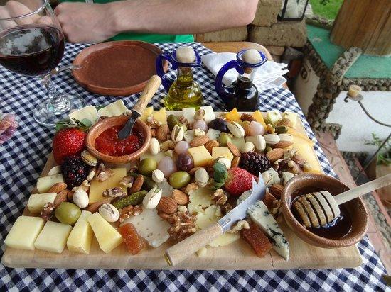 El Artesano Wine and Cheese Restaurant: Lunch!