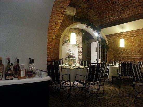 Restaurant La Fontaine - U Pierre'a : inside