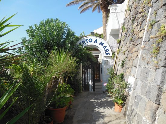Piccolo Hotel Umberto a Mare: der romantische Eingang