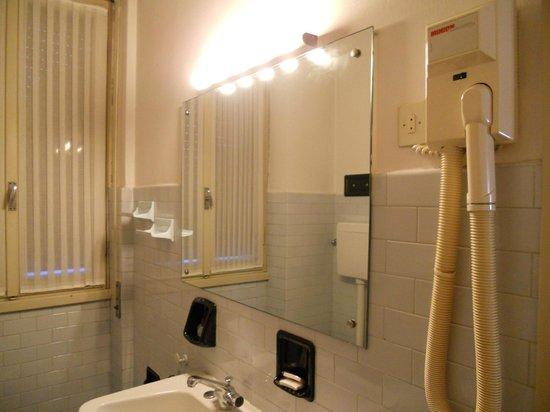Hotel Brescia: bagno