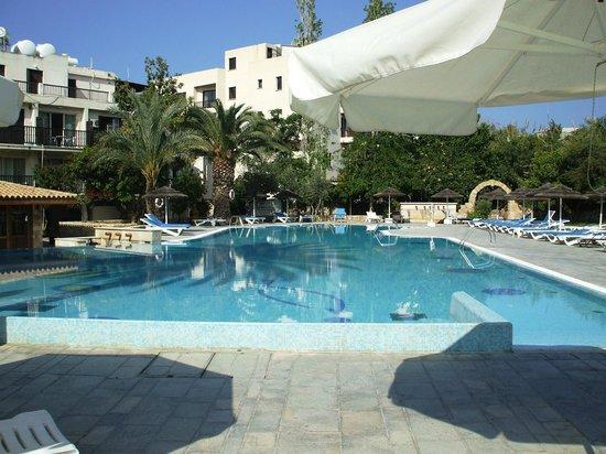 Basilica Holiday Resort: The Pool