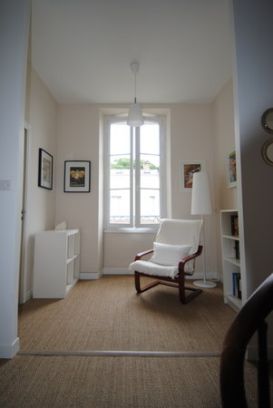 Les Tulipiers: A quiet place to read