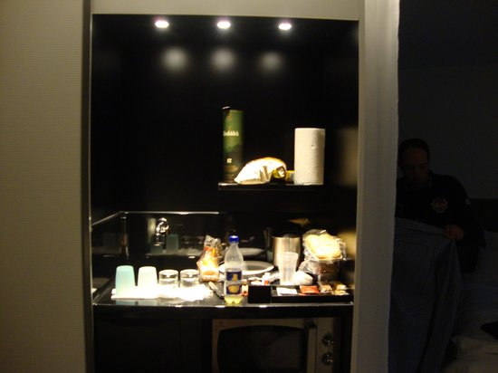 Novotel Suites Paris Issy les Moulineaux: kitchenette