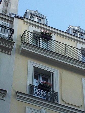 Il terrazzino picture of hotel des bains paris for Hotel des bains paris