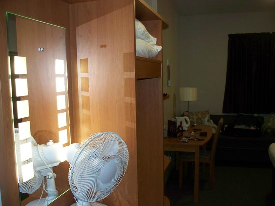 Premier Inn Frome Hotel: our room