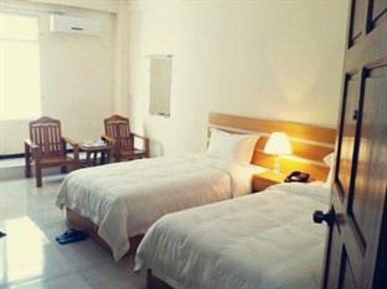 Bo Myat Tun Hotel: Guest Room