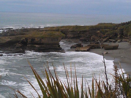 Te Nikau Retreat: Efter promenad genom regnskogen kom man fram till havet