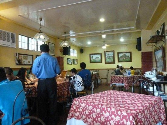 La Preciosa: The main upstairs room is bright and airy