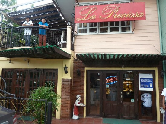La Preciosa: There is an open terrace upstairs