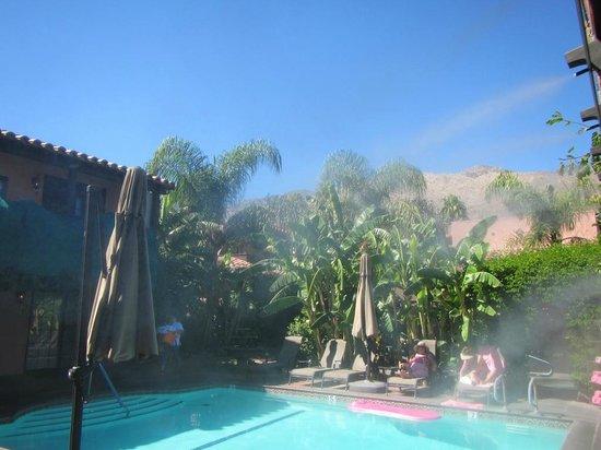Hotel California: Pool area