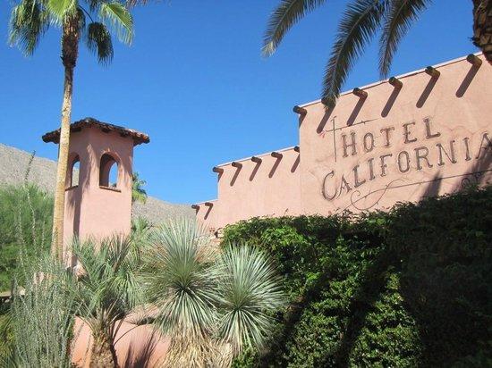 Hotel California: Exterior