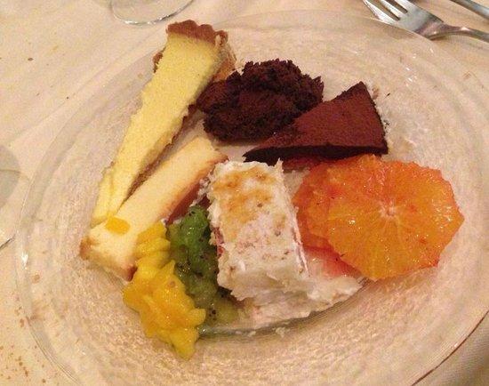 Chez Jacky: chariot de desserts