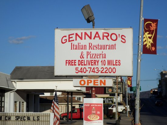 Gennaro's Pizza & Italian Restaurant : my pic of the resturant