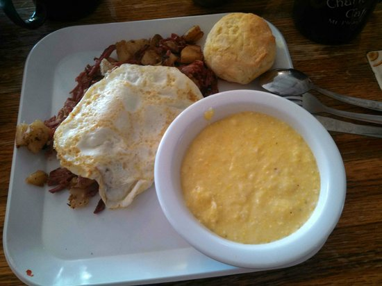 Charleston's Cafe: Cafe Corned Beef Hash