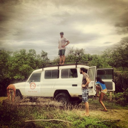 Rise Up Surf Tours Nicaragua: going on rainforrest trip