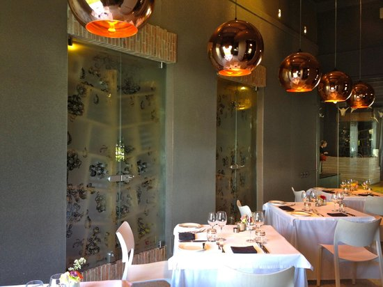 Catharina's Restaurant at Steenberg: Intimate inside dining area