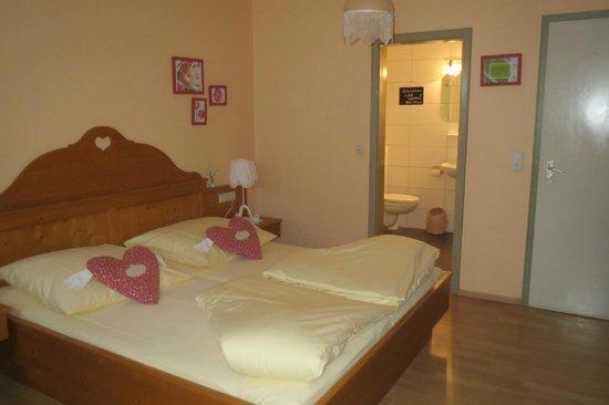 Hotel Monaco: Room