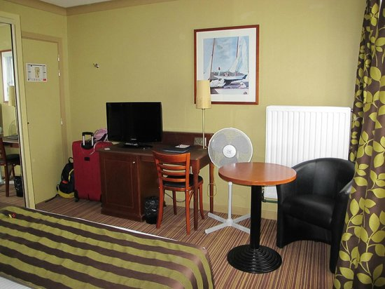 Best Western Residence Cour Saint Georges: Room