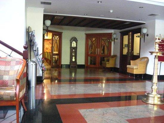 Holiday Hotel : Lobby