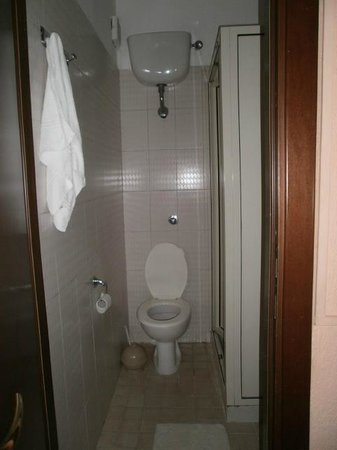Hotel Domus Mea : se  sei magro ok senò...