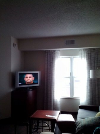 Residence Inn East Rutherford Meadowlands: Living area