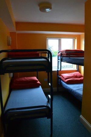 Barnacles Hostel Galway: комната