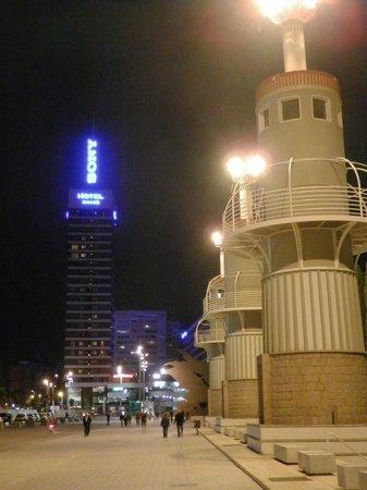 Gran Hotel Torre Catalunya: view from the Parc Espanya Industrial