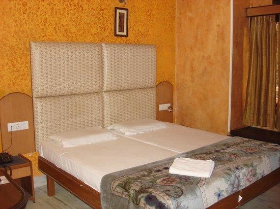 Rama Residency: DELUXE ROOM