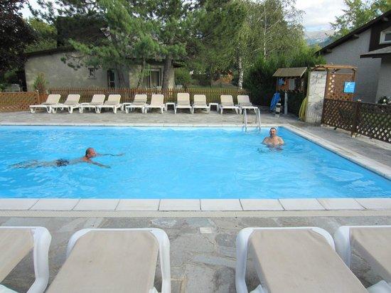 Les Bartavelles Hotel Restaurant : piscine2