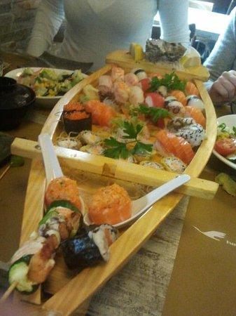 Tsuru Sushi: misto sushi e sashimi