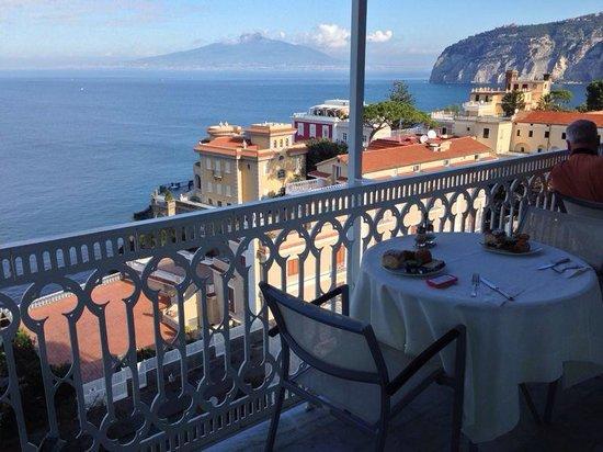 Hotel Mediterraneo Sorrento: Panorama 5 piano Hotel