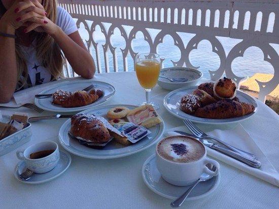 Hotel Mediterraneo Sorrento: Colazione