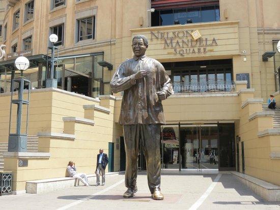 Protea Hotel by Marriott Johannesburg Balalaika Sandton: Nelson Mandela square is 5 minutes walk