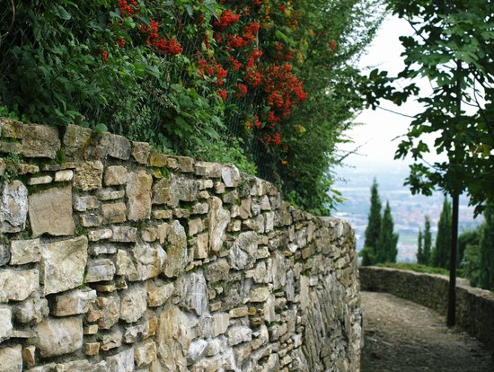 Funicolare San Vigilio : walk from San Vigilio down to Upper Bergamo
