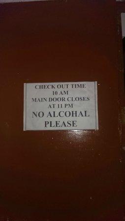 Mewargarh Palace: No Alchohol