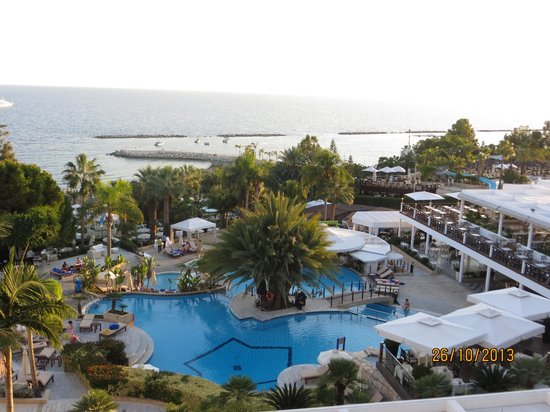 Mediterranean Beach Hotel: Early Morning from our room