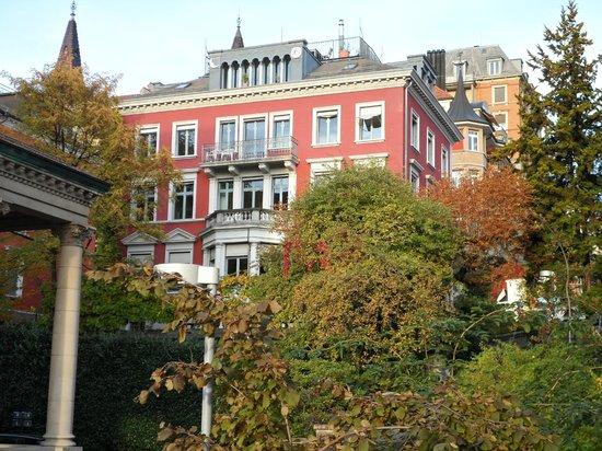 Leoneck Swiss Hotel: вид из окна