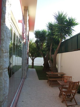 Alquimia Guest House: Side of house