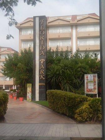 Hotel Florida Park : Entrée côté plage