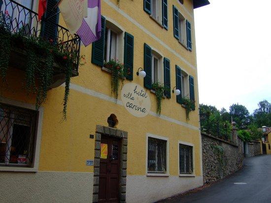 Hotel Villa Carona: ホテル外観