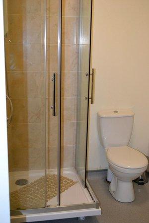 My Place Dublin Hotel: ванная