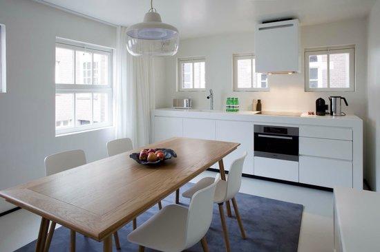 Urban Residences Maastricht : Open kitchen