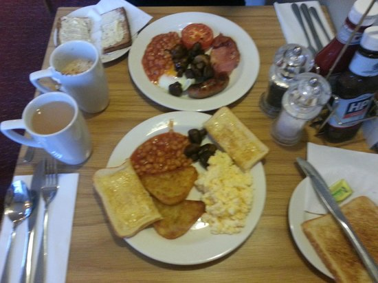 Premier Inn London Hammersmith Hotel: yummy breakfast